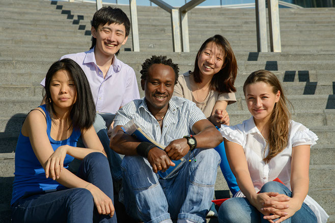 La Maison Internationale de Mons  (MIMS) est une institution d'accueil pour des étudiants issus de pays en voie de développement et qui poursuivent des études supérieurs ou doctorat en Belgique.